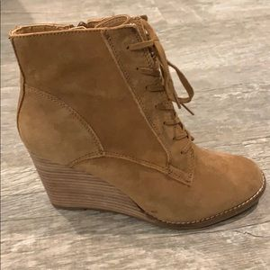 Lucky Brand suede laced boot